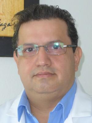 Dr. Luis  Navarrete