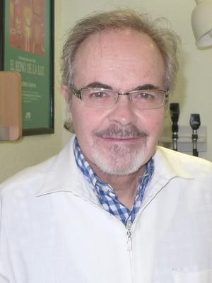 Dr. Nathan  Grinberg