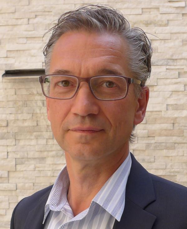 Dr. Koen   De Smet