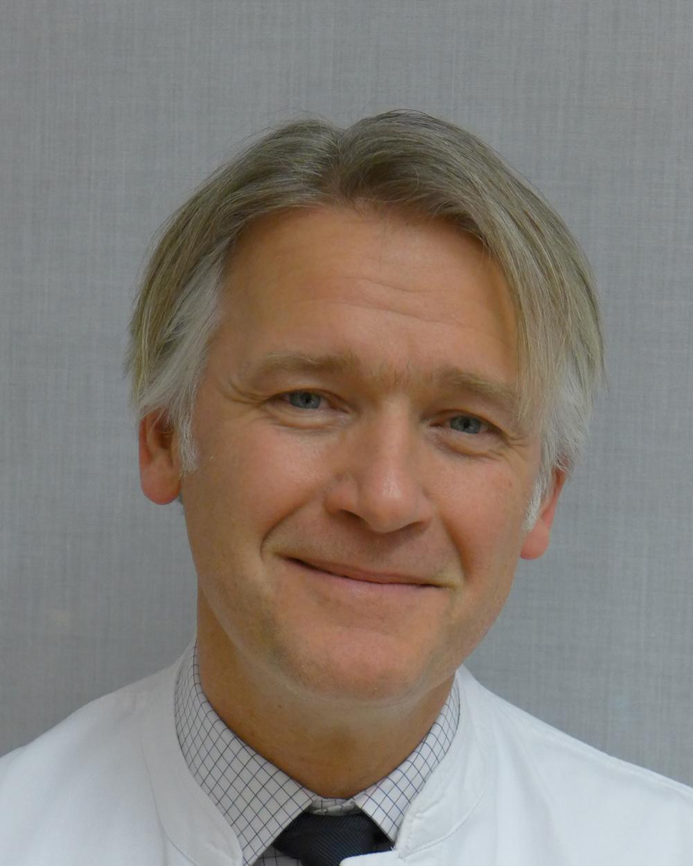 Dr. Klaus  Joachim