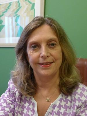 Dr. Monica  Wolff