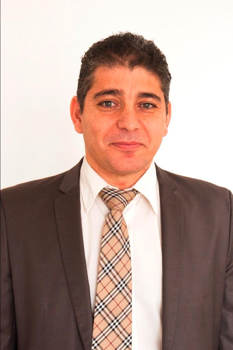 Dr. Manaf  Kandakji