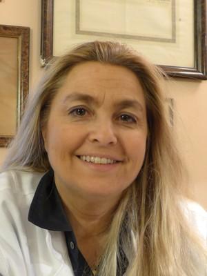 Dr. Giovanna  Testa