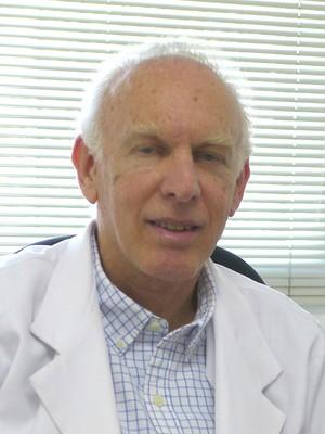 Dr. Alberto  Rosenblatt